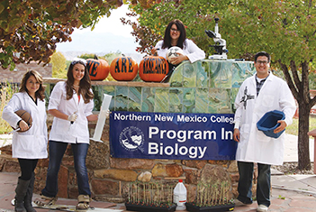 Northern Biology Students Explore Biomedical Research